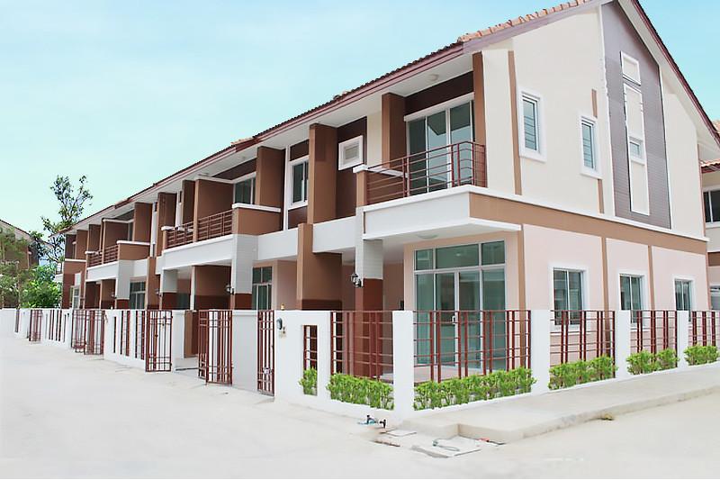 อิฐแดง 2 รู ใหญ่ โครงการหมู่บ้านพนาสนธิ์ วิลล่า