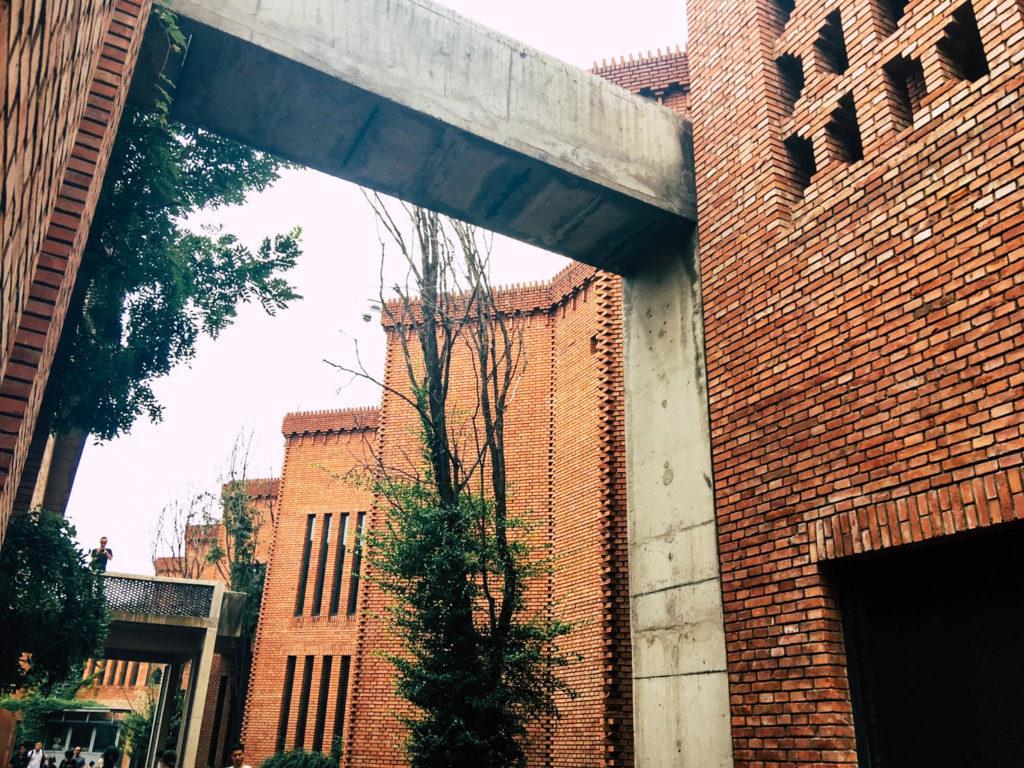 อิฐทั่วโลก : Red Brick Art Museum