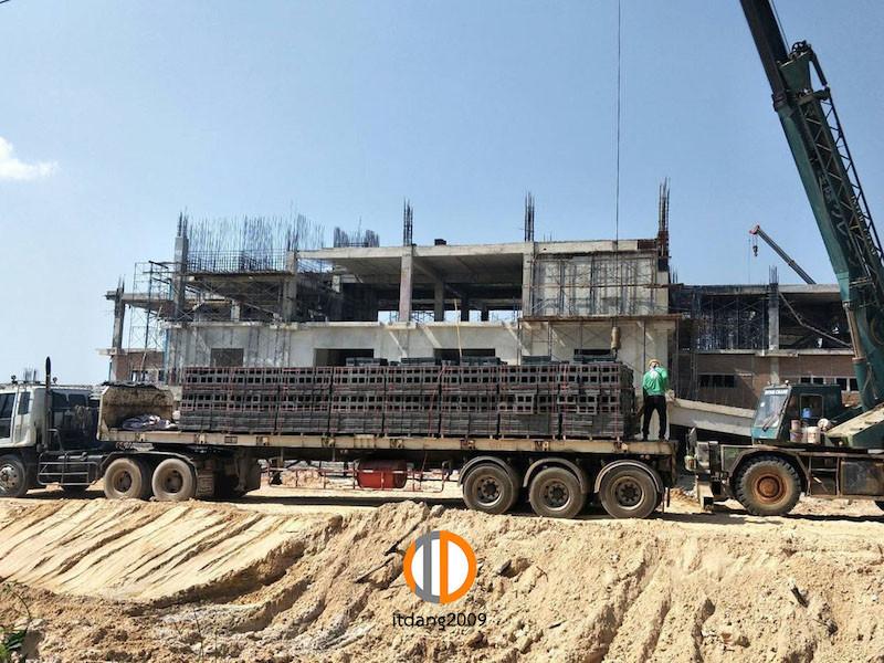 อิฐบล็อกมอก19 ซม มหาวิทยาลัยนครพนม งานสร้างหอประชุมล่มแม่น้ำโขง