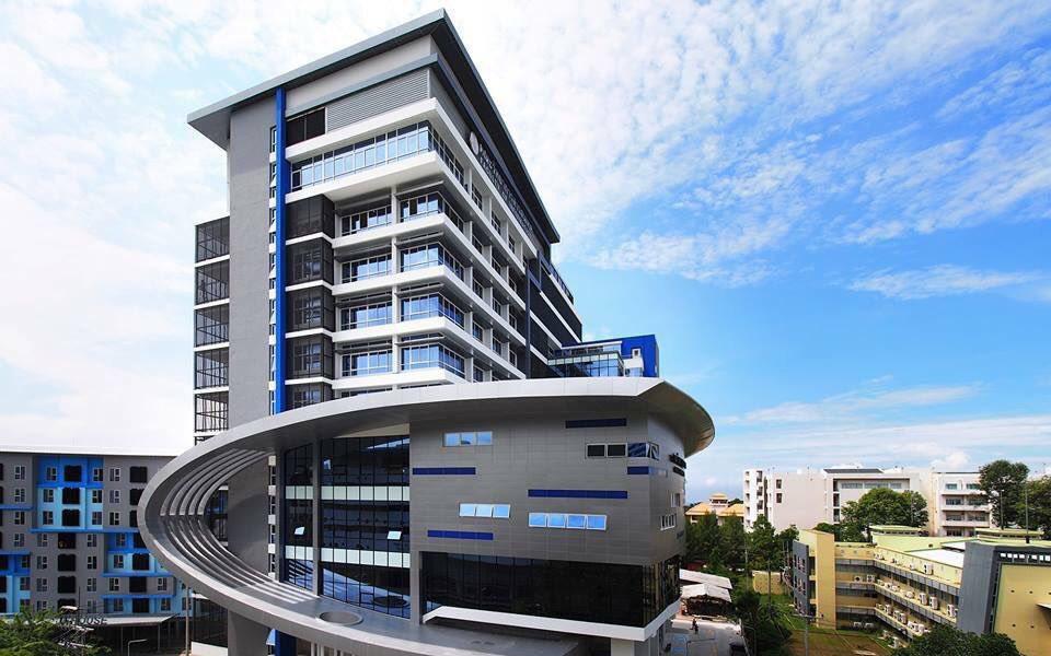 อาคารคณะวิทยาการสารสนเทศ ม.บูรพา