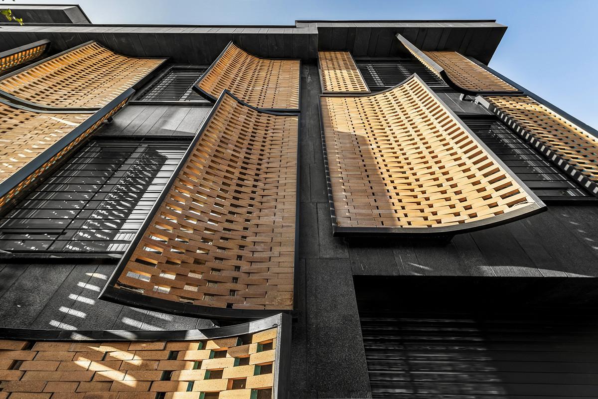 อาคาร Khesht-Baf จากอิฐแดง