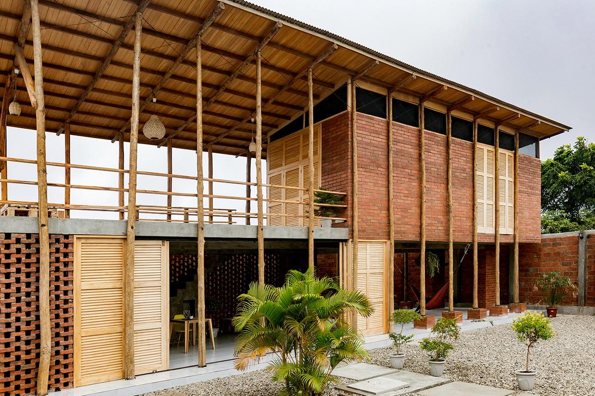 อิฐทั่วโลก : Stilts House | Brick House in Ecuador