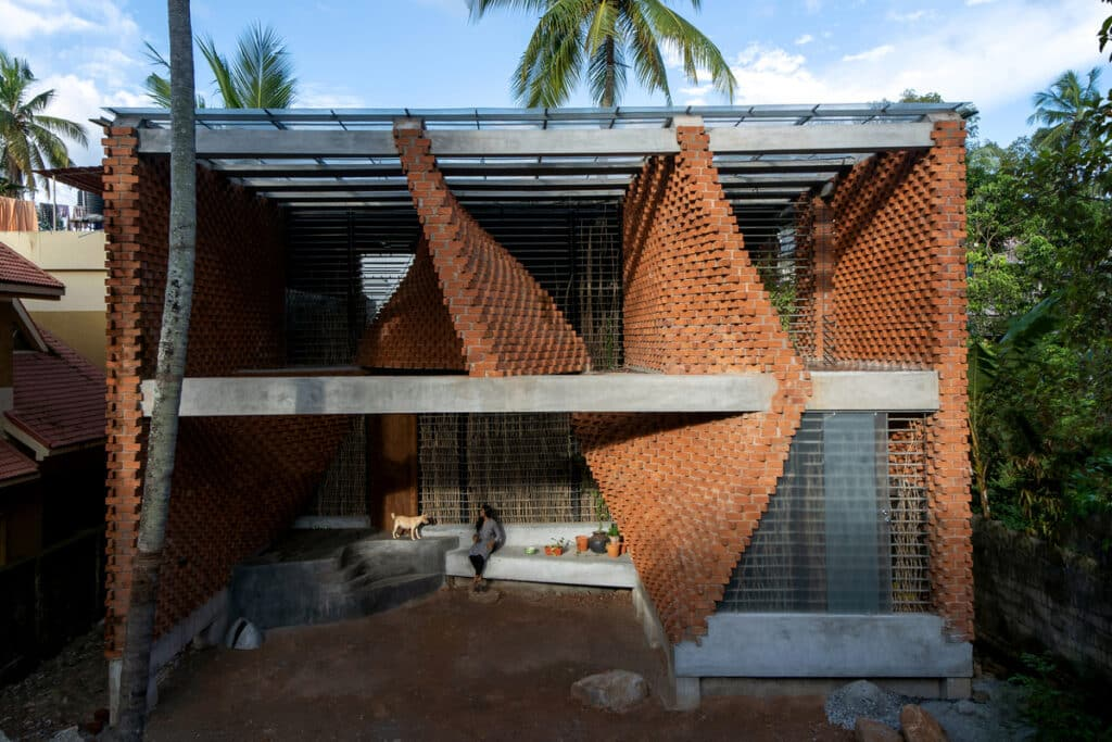 อิฐทั่วโลก : Pirouette House | Brick House @India