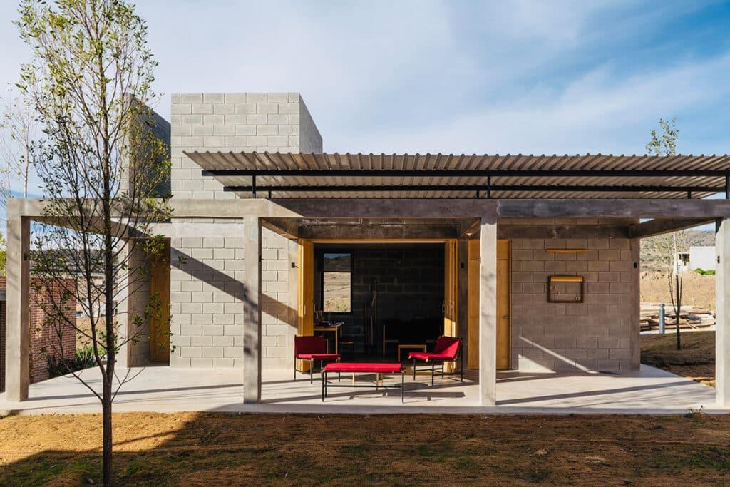 อิฐทั่วโลก : Self-Produced Rural Housing บ้านอิฐบล็อก