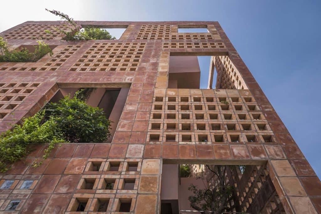 อิฐทั่วโลก : Bat Trang House บ้านอิฐแดงในเวียดนาม