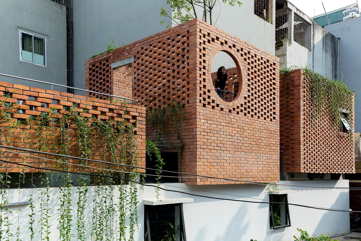 อิฐทั่วโลก : VH House สวนอิฐแดงในเวียดนาม